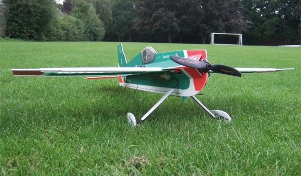 Extra 300 SHP – Kunstflug mit Graupner