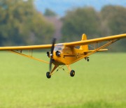 Warum die gelbe FMS-Cub so viel Flugspaß bietet