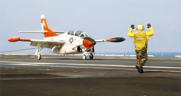 Der millionenfach bewährte Jet-Trainer der US Navy